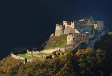 Castel-Beseno-la-piu-grande-fortezza-antica-della-regione-a-guardia-della-Valle-dell-Adige_full